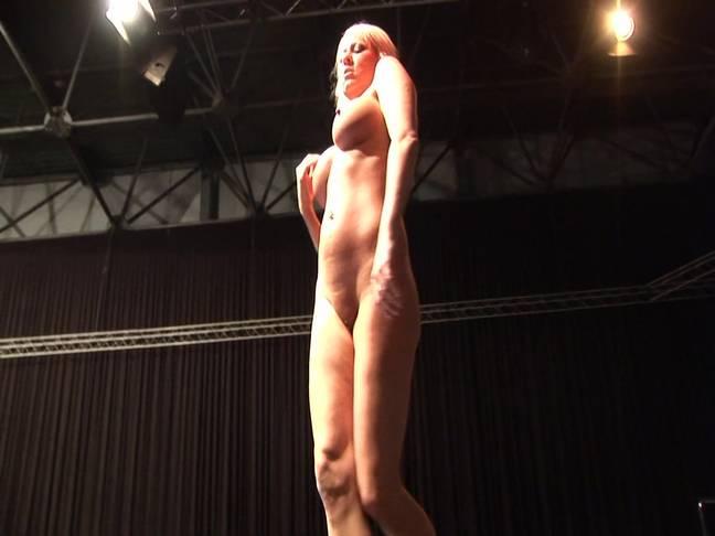 Very Hot Nude Girl Exposing Herself